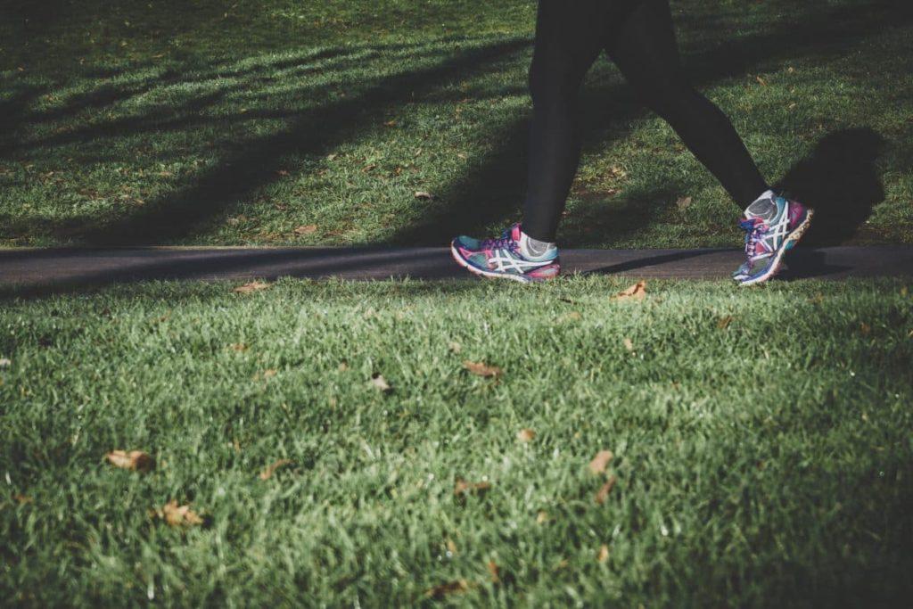 La fiche sport : la marche à pieds