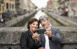 Des téléphones et smartphones simples pour seniors