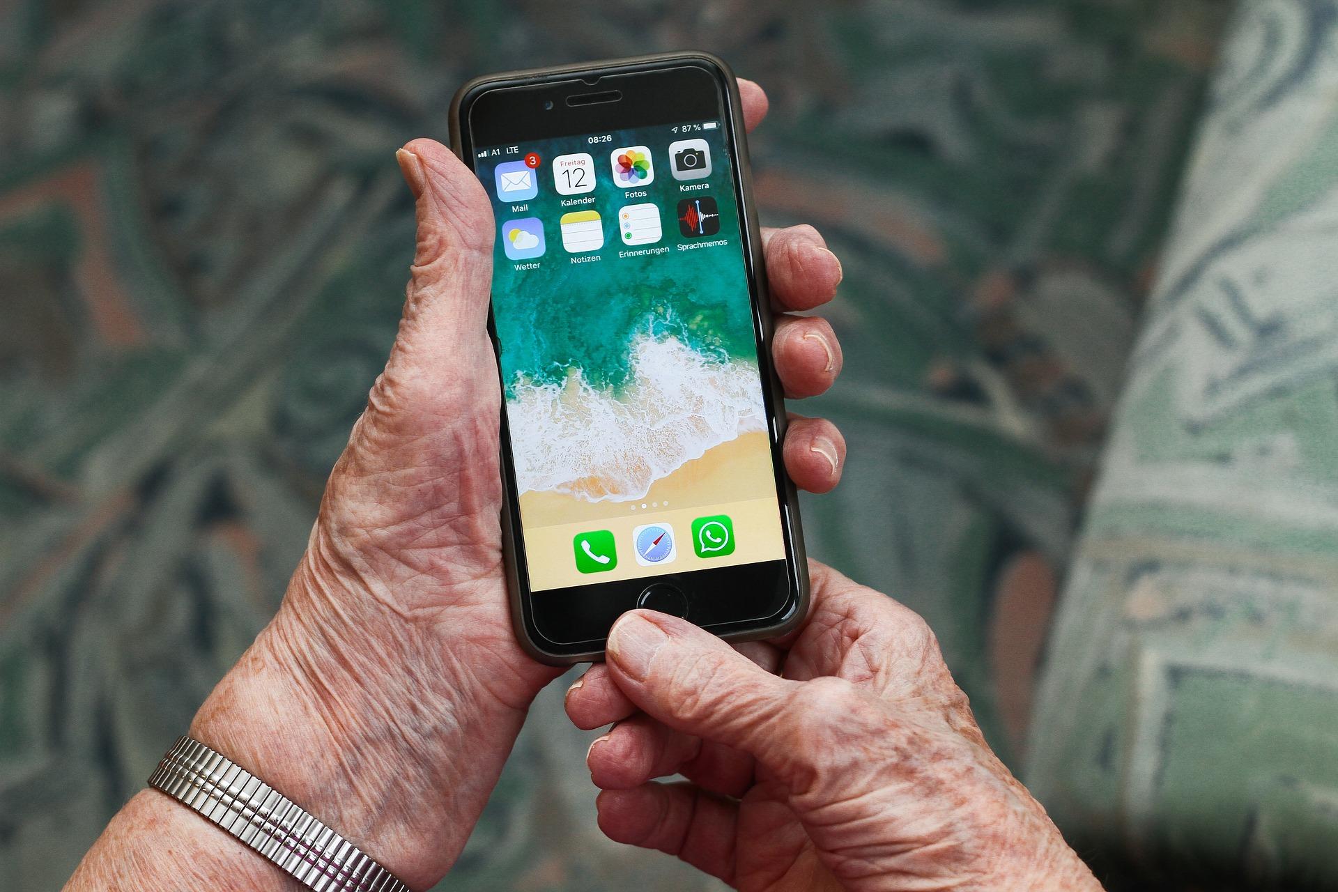 Des applications mobiles pour faciliter la vie des seniors