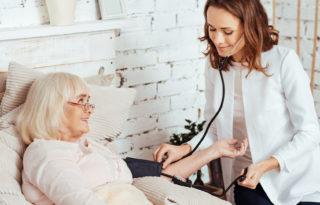 Des infirmiers et kinésithérapeutes à domicile