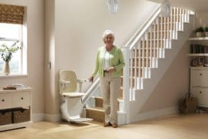 Installer un monte-escaliers intérieur